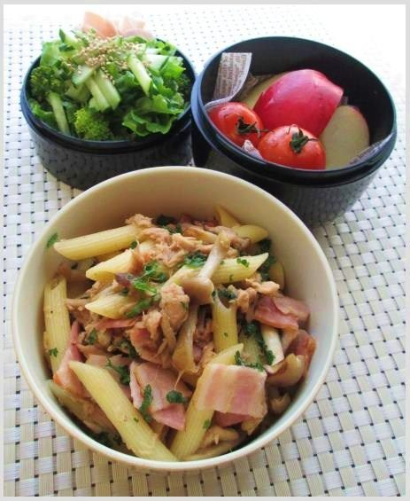 12.6 シメジとツナ&ベーコンの和風ペンネのお弁当 : YUKA'sレシピ♪ e0274872_7541967.jpg