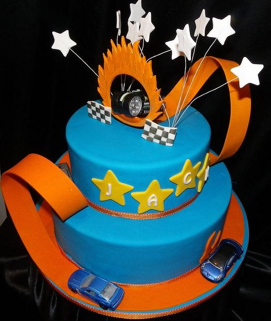 Hot Wheels Track Birthday Cake by Frosted Memories by Emma, via Flickr