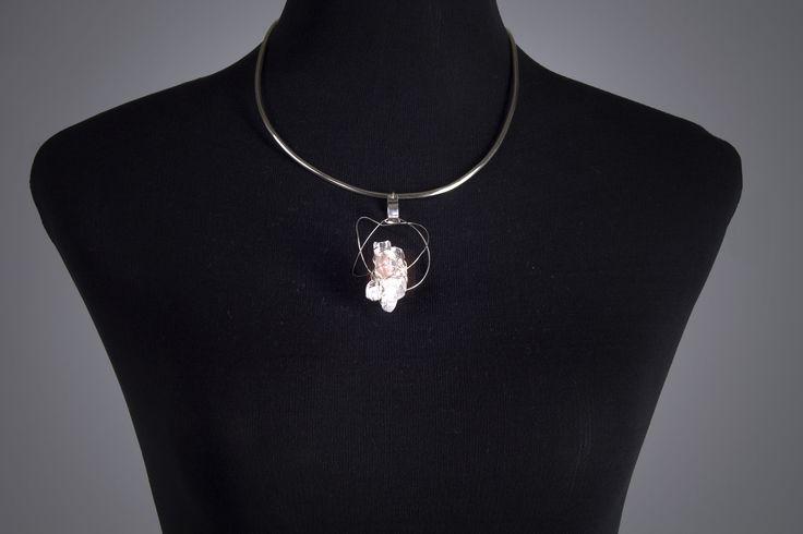 Colección Sempiterno  Collar   Técnica Orfebrería con Plata, Hilo de plata y Cuarzo  ___________________________   Sempiternal Collection  Necklace   Goldsmith technique with Silver, Silver Thread and Quartz