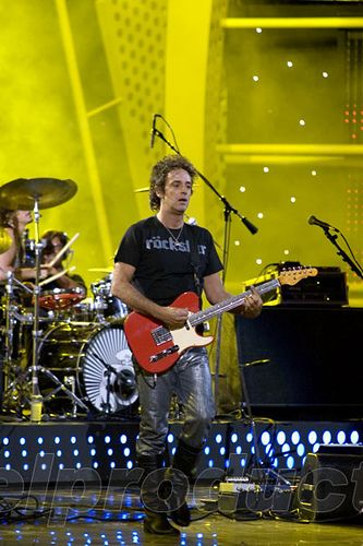 Gustavo Cerati en el Festival de Viña del Mar - febrero, 2007. | Flickr - Photo Sharing!