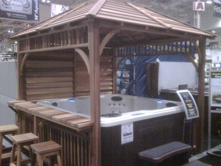 Would prefer to have open design pergola but the counter and stools are excellent idea!