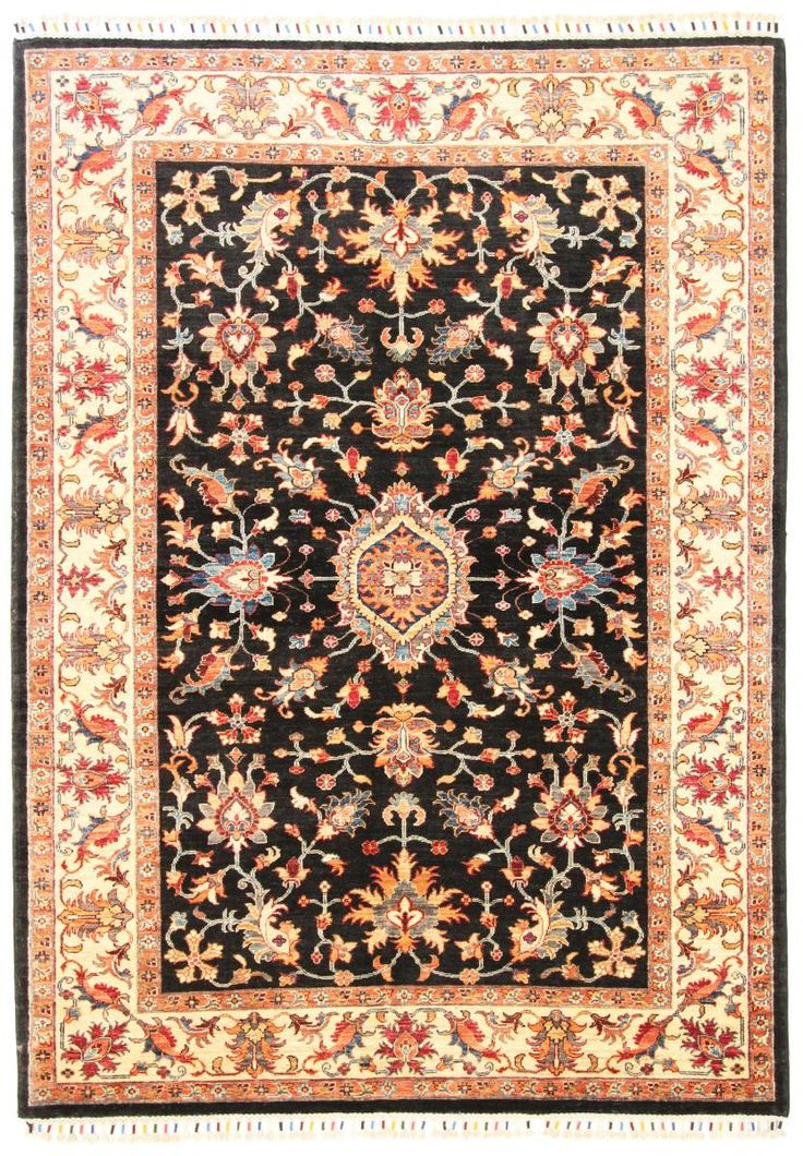 We're finishing our short oriental carpet series with a classic! Ziegler Farahan, hand knotted 250.000 knots/sqm and dimensions are 231x167cm.