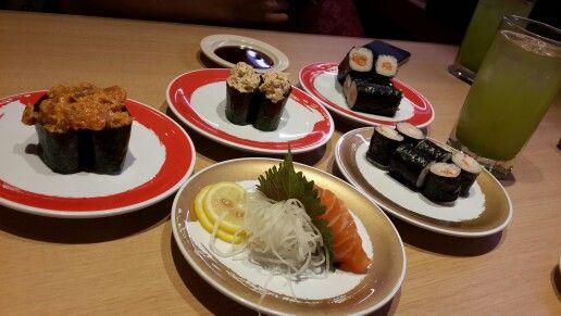 Salmon Maki, Salmon Sashimi, Kani Maki, Spicy Tuna Gunkan, Tuna Salad Gunkan