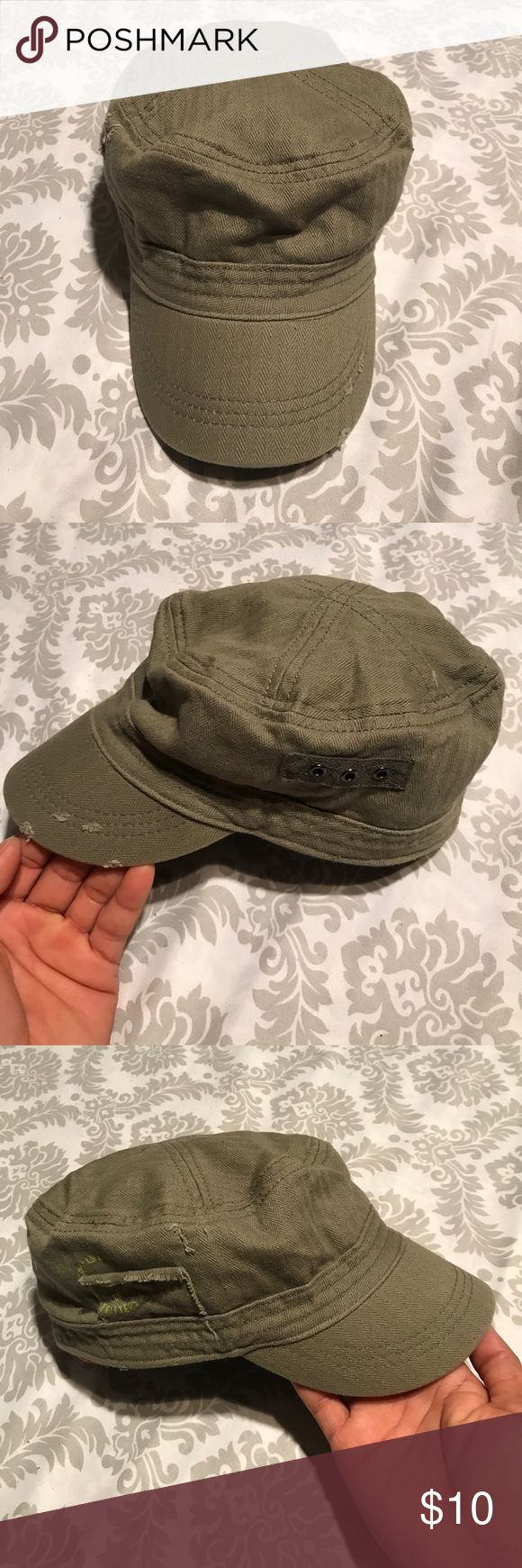 American Eagle Outfitters women's military hat American Eagle Outfitters women's military hat army cap. No need to drop and give us 20. EUC. Elastic back, make it perfect to fit most head. Army Green in color! American Eagle Outfitters Accessories Hats
