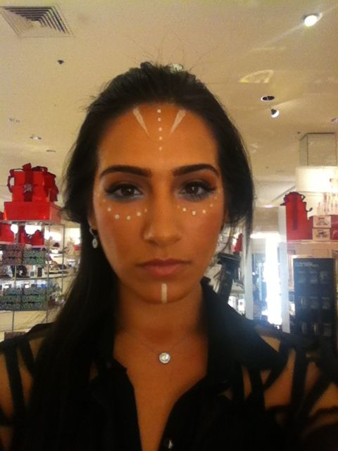 Native American Indian makeup. Maquillaje de India. Maquiagem de Halloween indigena
