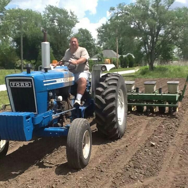 Ford 5600 Tractor : Best images about blue ford tractors on pinterest