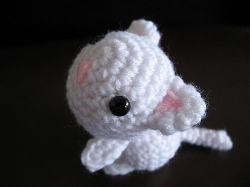 Amigurumi Kitten Patterns : Best amigurumi tv characters images crochet free