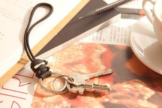 Carga tus llaves con estilo gracias a este espectacular llavero con figura de ninja. Hecho de material ABS, resistente al calor y al impacto. La correa puede soportar un peso de hasta 500 gramos.