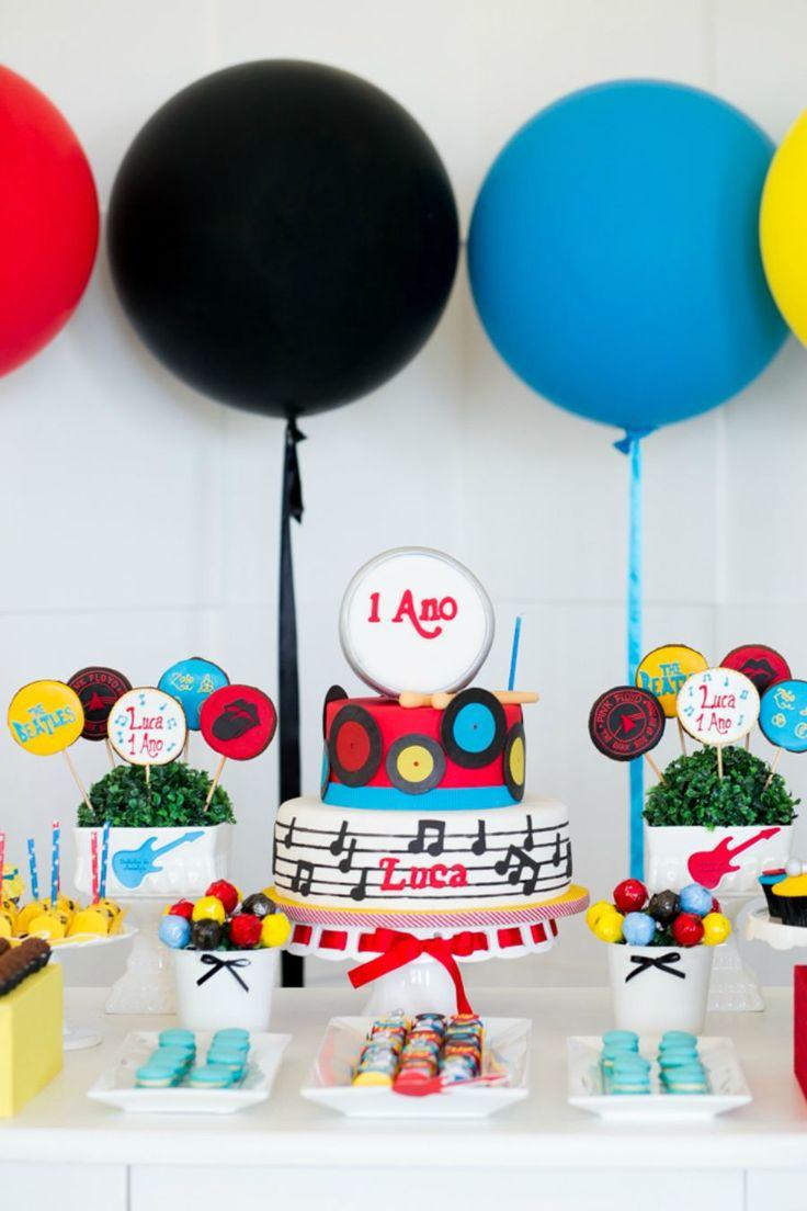 Festa Infantil Rock and Roll | 1 ano do Luca {Ficha técnica: Conceito e Decoração: Festa com Gosto | Fotografia: Angelica Marques | Doces: Isa Herzog}