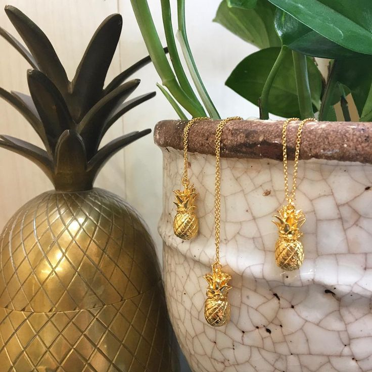 Back in stock and ready for spring 🍍🍍🍍 #alexmonroe #alexmonroejewellery #handmade #handmadeinengland #jewellery #jewelry #pineapple #necklace #gold #fruit #schmuck #kette #love #tbt #Friday #tropical #ss17 #shopping #fashion