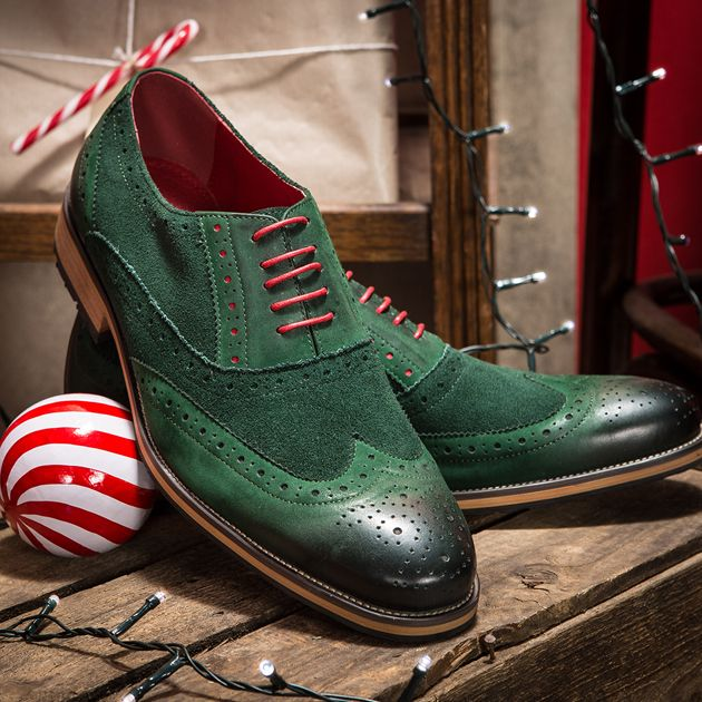Have you ever seen a pair of shoe ooze more Christmas cheer than these? These stunning green brogues are perfect for making a stylish statement this party season. Shop now:  https://www.slaters.co.uk/justin-reece-green-oliver-2-brogue-58132337