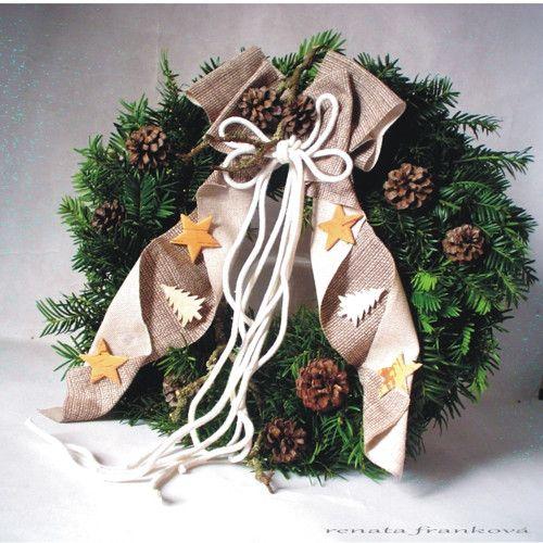 Vánoční věnec na dveře -živé chvojí a přírodniny