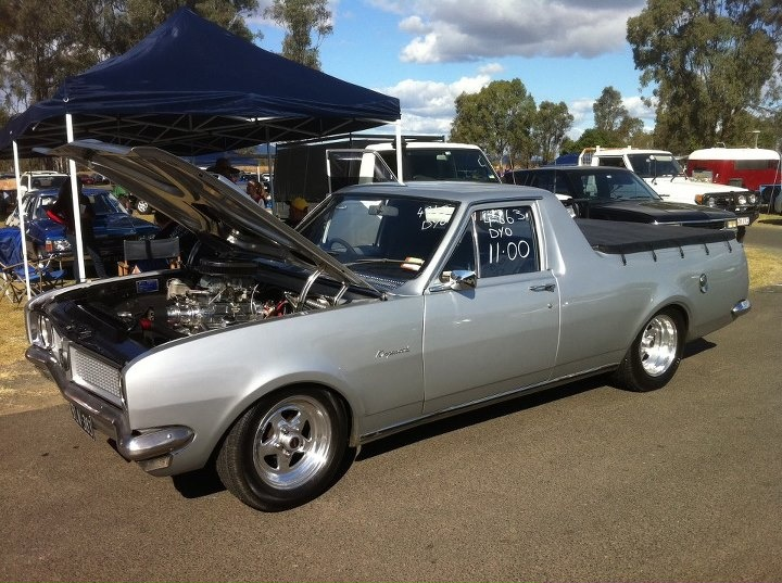 HG Holden Ute. Looks like this was set for the dragstrip. Apparently it posted a time of exactly 11 seconds.
