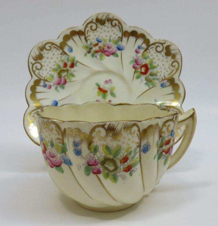 Starožitný šálek na čaj • malovaný porcelán se zdobeným okrajem r.1889-1906
