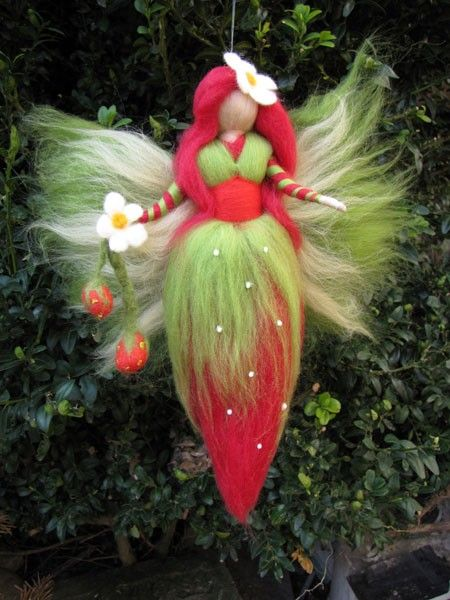 Needle Felted Wool fairy Strawberry fairy Waldorf by LivelySheep, €16.00