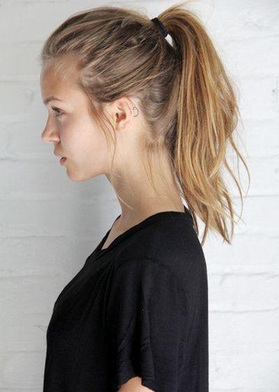 Oui à la queue de cheval haute légèrement bombée et à peine coiffée ! (Josephine Skriver) - http://bit.ly/12o5muy - Tendances de Mode