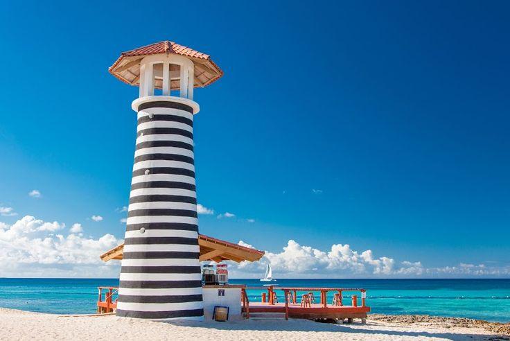 #PuntaCana tiene una de las playas más lindas del mundo. Conócela con #Despegar #trip #beach #travel #turismo #playas