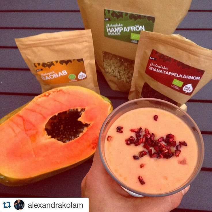 #yougoforlife @alexandrakolam with  Full speed in the blender and voilà!  Ice cold creamy Papaya smoothie!  @goforlife_se Papaya banana lime a dash of coconut milk coconut water and ice #baobab #hempseeds #pomegranate  So simple and delicious! #beasgoodasyoucanbe  #goforlife #powerfromnature #raw #wheninmexico #refuel #hydration#rawpowerfromnature #smoothie #rawfood #delicious #foodgasm#bbg #powersood#granatäpple #fitness