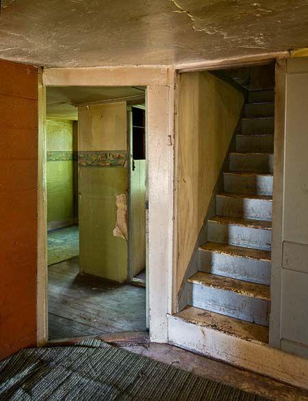 die besten 25 holztreppe kaufen ideen auf pinterest treppe kaufen treppen bauen und podest. Black Bedroom Furniture Sets. Home Design Ideas