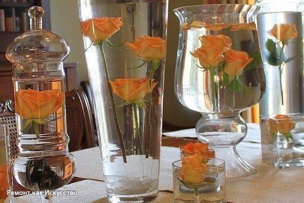 """Летом на клумбе, зимой в бутылке!  Лучше брать """"пузатые"""" бутылки, так композиция будет выглядеть объемнее. Их нужно продезинфицировать любым удобным для вас способом.    Перед тем как сохранить в глицерине цветы, их необходимо правильно подготовить. Если растение вечнозеленое, то срезать его можно в любое время, а лиственные заготавливают в августе-сентябре. Срезают их по косой чистым и острым ножом. Цветы сразу же следует опустить в воду, чтобы они не подсыхали. Слишком твердые стебли надо…"""
