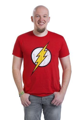 """Nessuno al mondo è più veloce di Flash, nemmeno Superman. Classica T-Shirt uomo rossa """"Flash"""" con logo del supereroe cult, un lampo giallo che taglia un cerchio bianco, stampato sulla parte frontale."""