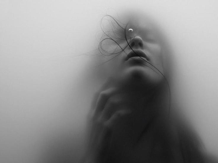 Jacob Sutton. Underwater Girl. NY. 2012.