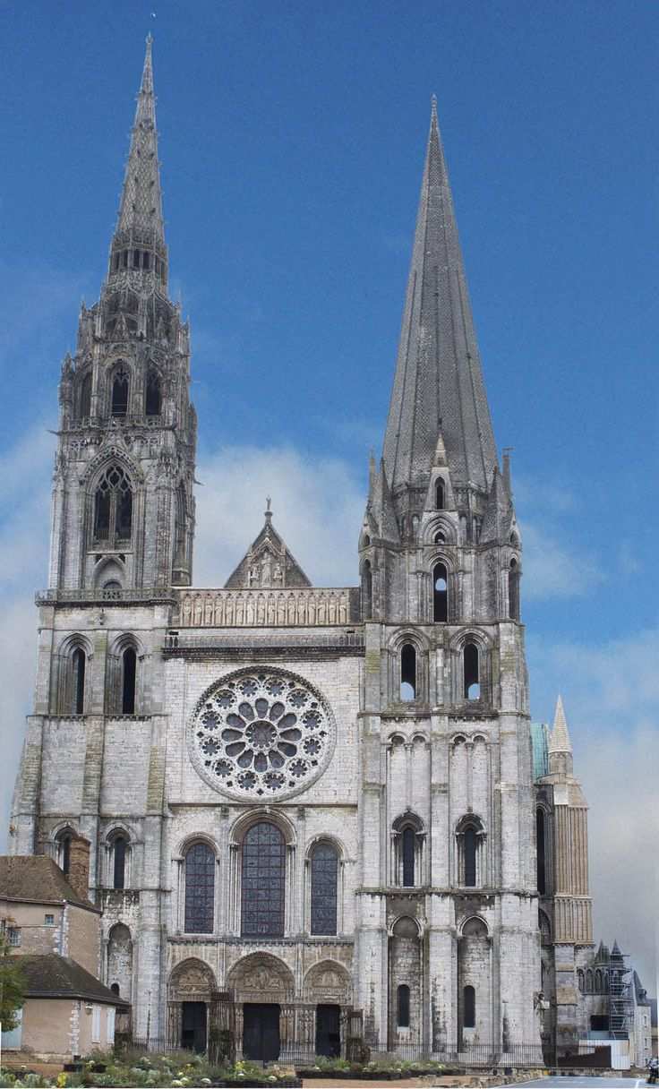 a structural description of chartres cathedral in france Poitiers cathedral the cathedral saint-pierre in poitiers showcases a blend of gothic and romanesque styles similar to many of the major cathedrals in france, the poitiers cathedral was built over the site of a roman basilica, and consecrated in 1379.