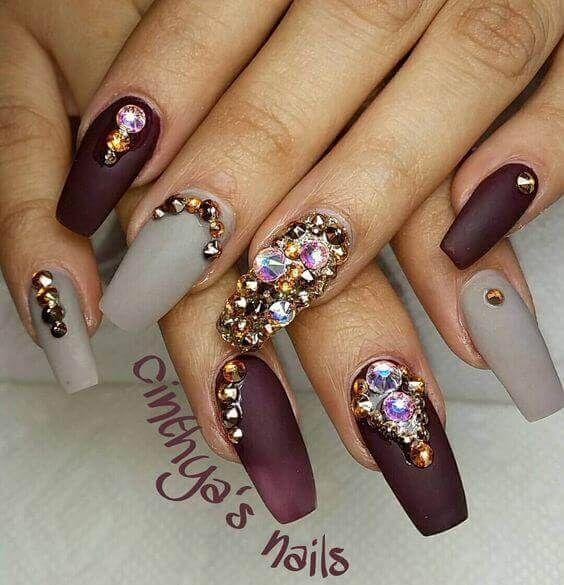 matowe paznokcie z cyrkoniami swarovskiego
