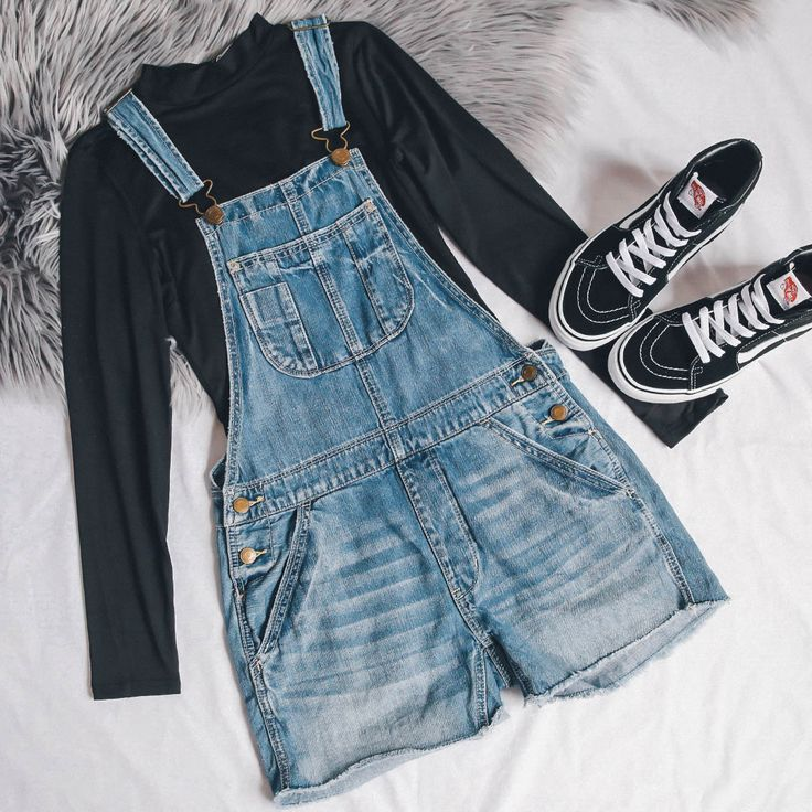 VINTAGE OVERALLS. [Follow us: @Peppermayo for more cuteness and daily fashion inspo.]