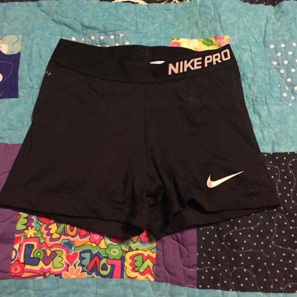 Black nike spandex shorts Basically brand new only worn once Nike Shorts