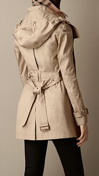 7 best Raincoat with hood images on Pinterest   Burberry brit ...