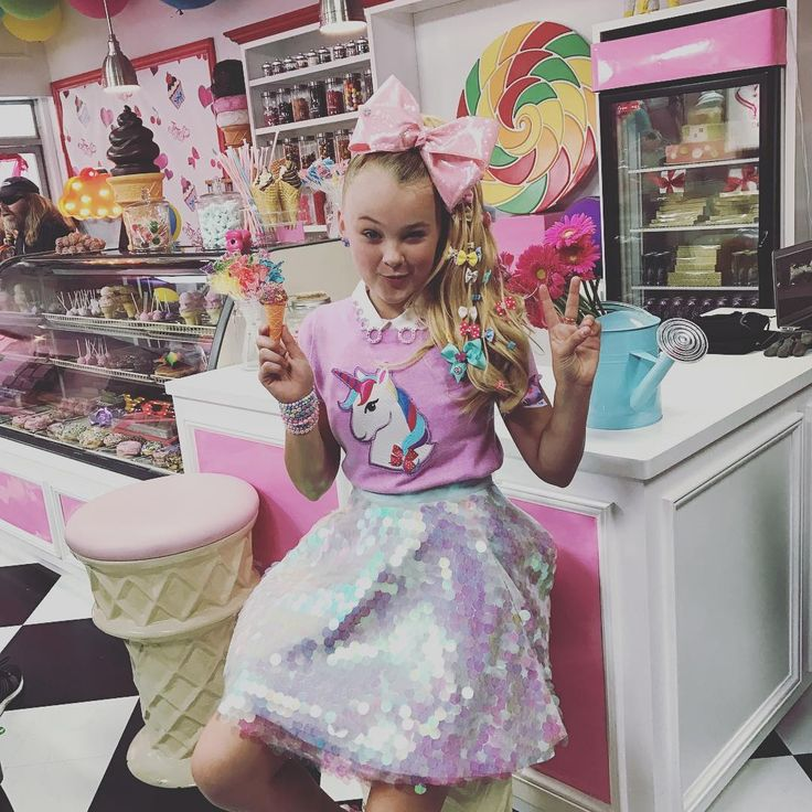 "198.8k Likes, 1,562 Comments - JoJo Siwa (@itsjojosiwa) on Instagram: ""Make sure you download my song on iTunes!!! ""Kid in a Candy Store "" """