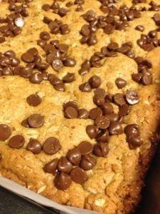 Peanut Butter Oatmeal Lactation Cookie Bars! | sherocksthecradle