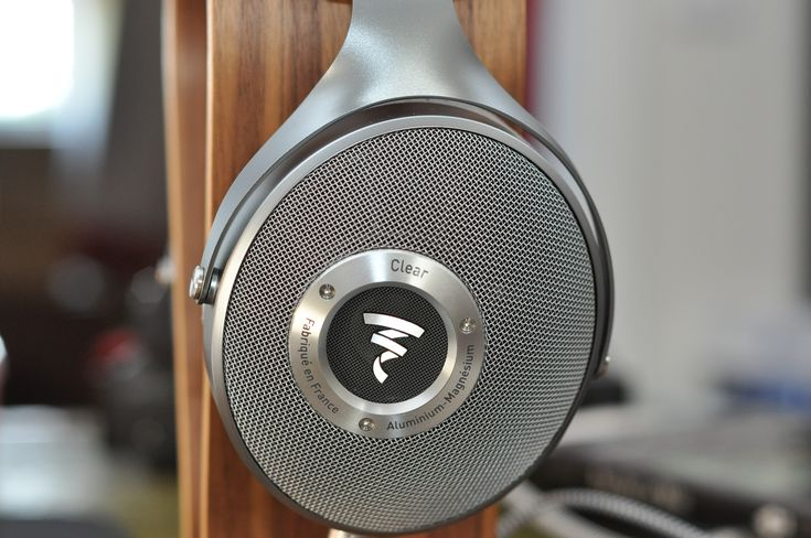 This is my review of the new Focal Clear open backed on ear headphones, retailing near £1,100 (UK, Jan '18) these are a must listen if you are near this budget for a pair of high-end headphones. I was fortunate to hear Focal's new range of headphones last year, the higher end Utopia and the Elear headphones, but at the time I (and others) noted a glaring gap in price between the two products.  The Focal Clear headphones are priced nearer to the Elears.  They have benefitted from the design…