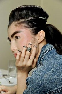 apparantly im really into these damn rings... third pin! Chanel Autumn/Winter 2013-14