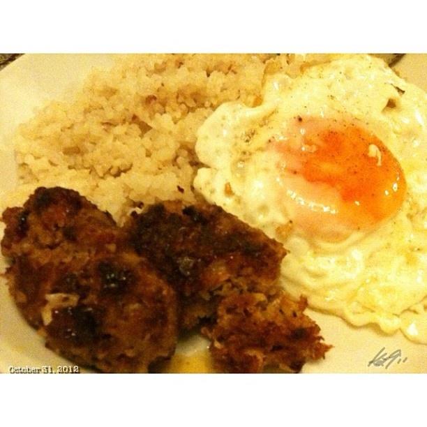今日の#晩ご飯 #ガーリックライス#目玉焼き#ロンガニーサ #dinner #sunnysideup#longanisa#garlicrice #food #philippines #フィリピン