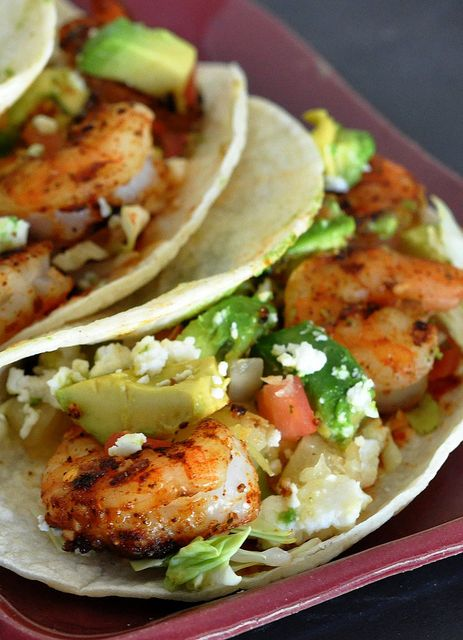 Light and Healthy Grilled Shrimp Taco Recipe with a BBQ Dry Rub Recipe for the shrimp! | everyday southwest