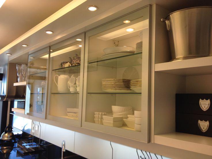 Grupo3 sandra puertas vitrina con marco de aluminio for Puertas de cocina de restaurante