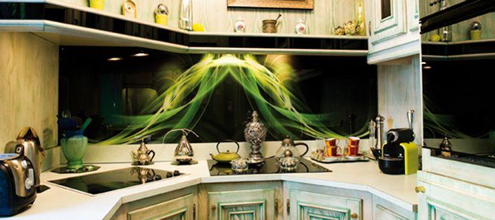 Pratique et esthétique, le verre imprimé permet de joindre l'utile à l'agréable dans la #cuisine !
