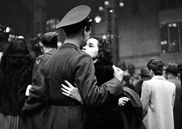 Fotos de despedidas de amor durante as guerras - De volta ao retrô