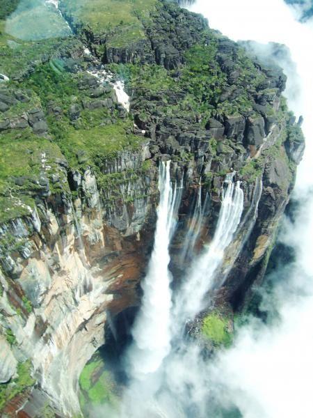 ユーラシア旅行社のギアナ高地ツアーではエンジェルフォール遊覧飛行に2度ご案内!