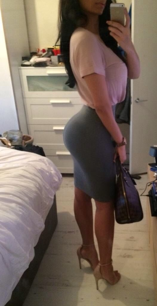 Tight Brunette Ass 60
