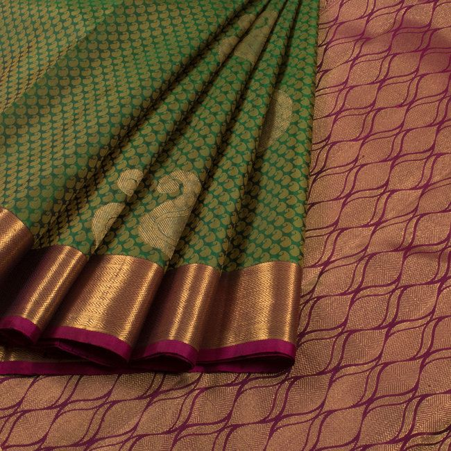 Handwoven Green Jacquard Kanchipuram Silk Saree With Paisley Motifs 10012932 - AVISHYA.COM