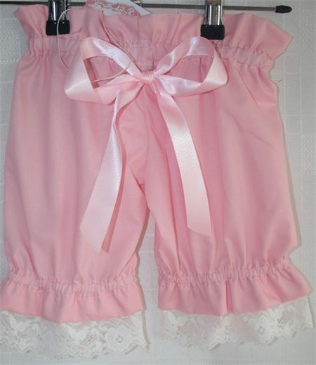 Girls Size 4 Lace and Pink Bubble Shorts   Annabelles Attic   madeit.com.au