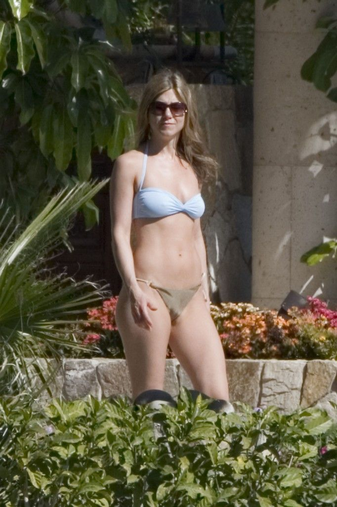 Celebrity Bikini Hotties: Jennifer Aniston