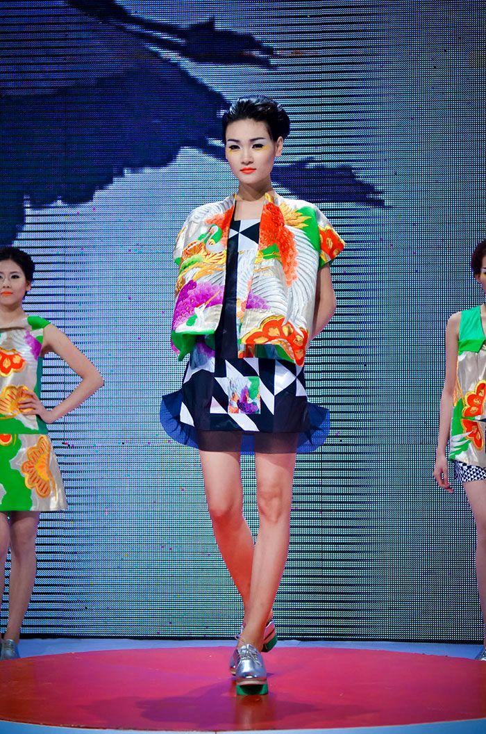 Vietnam Fashion Week SS14 - Haute Couture.  Designer: Minh Hanh.