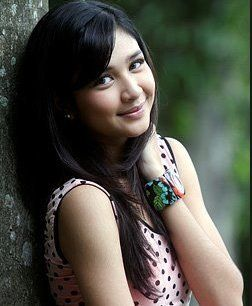 Mikha Tambayong adalah artis muda Indonesia paling anggun memiliki wajah yang…
