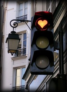 Traffic lights in Paris