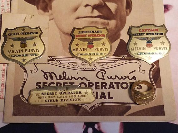 1937 Complete Set of Melvin Purvis Law and Order Patrol Post