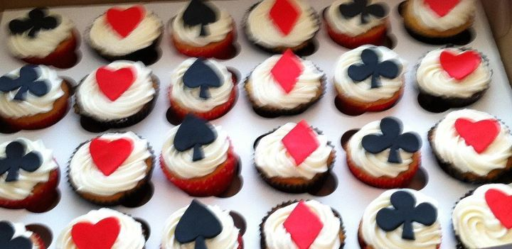 Poker Themed Cup Cakes